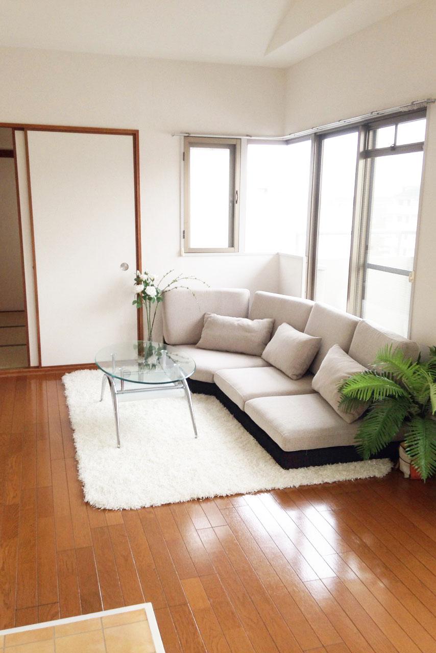 ゆったりソファーでくつろげる空間