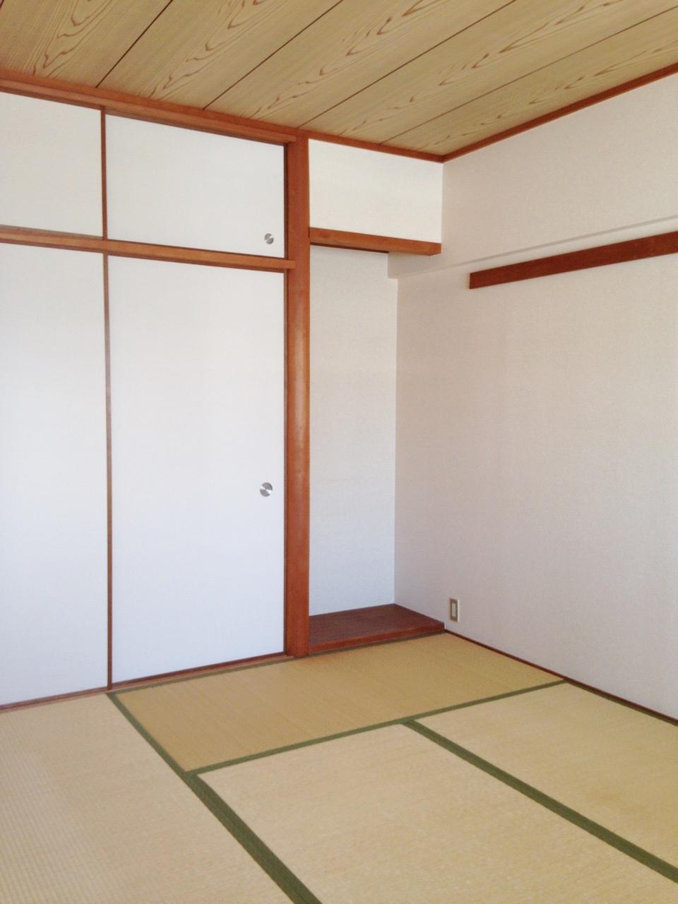 珍しい床の間ありの和室